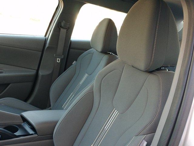 Hyundai Elantra 2021 price $23,955