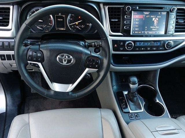 Toyota Highlander 2016 price $26,650