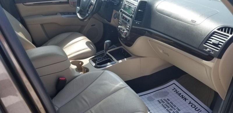 Hyundai Santa Fe 2011 price $10,995