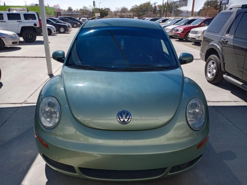 2007 Volkswagen New Beetle Coupe 2d...