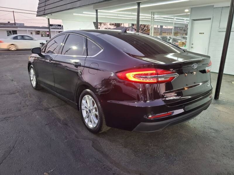 Ford Fusion 2019 price $16,999