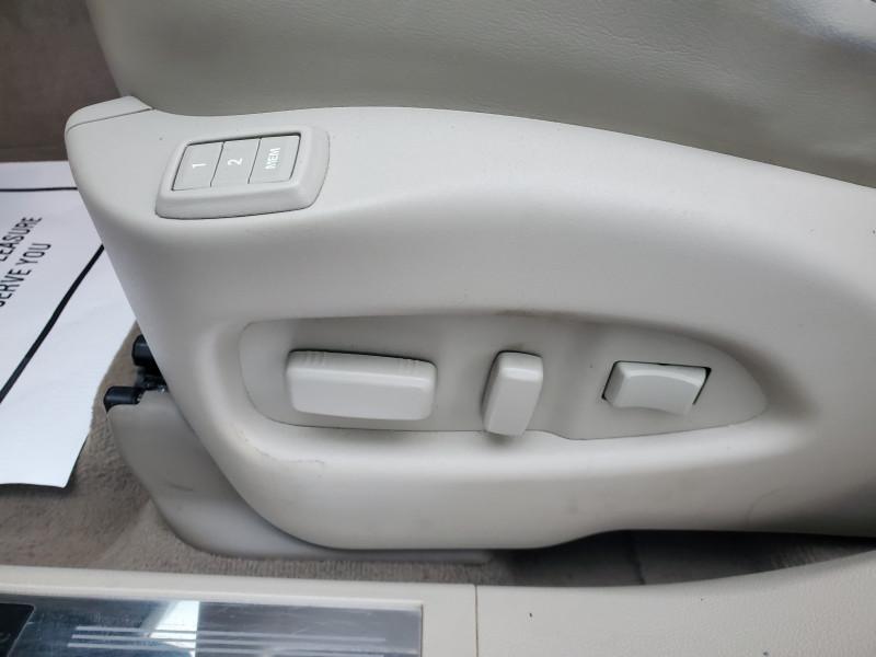 Cadillac SRX 2013 price $12,999