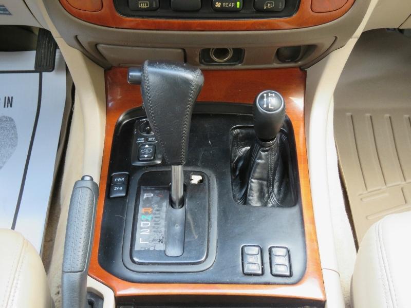 Lexus LX 470 Luxury SUV 1999 price $7,595