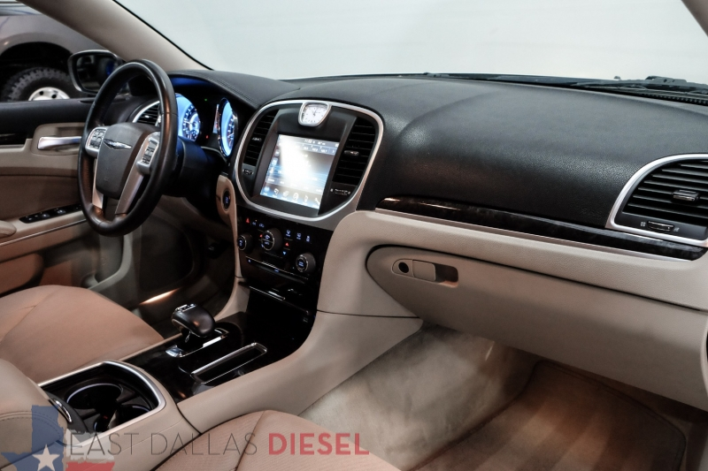 Chrysler 300 2012 price $8,995