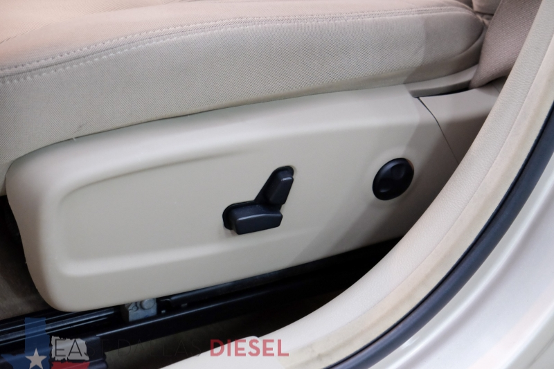 Chrysler 300 2012 price $7,895