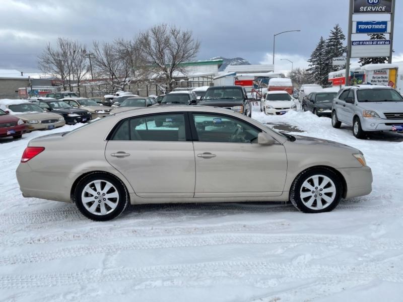 Toyota Avalon 2005 price $4,499