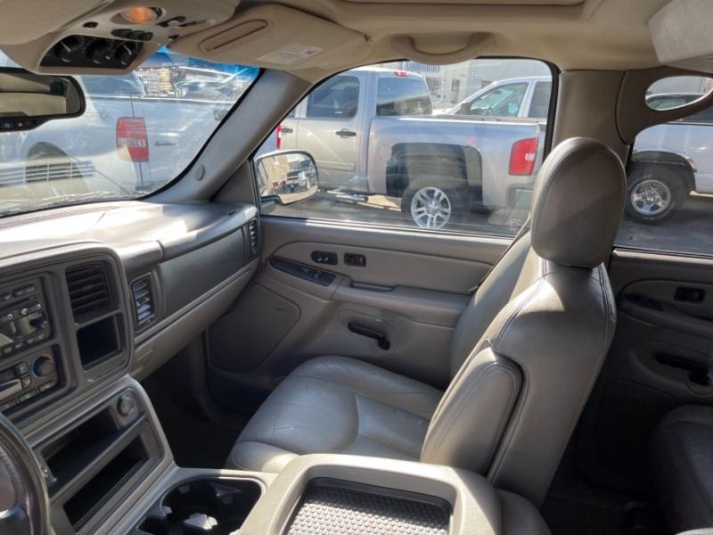 Chevrolet Suburban 2004 price $6,999