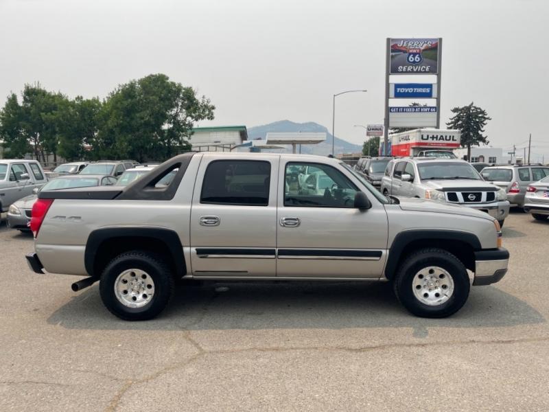 Chevrolet Avalanche 2004 price $4,999