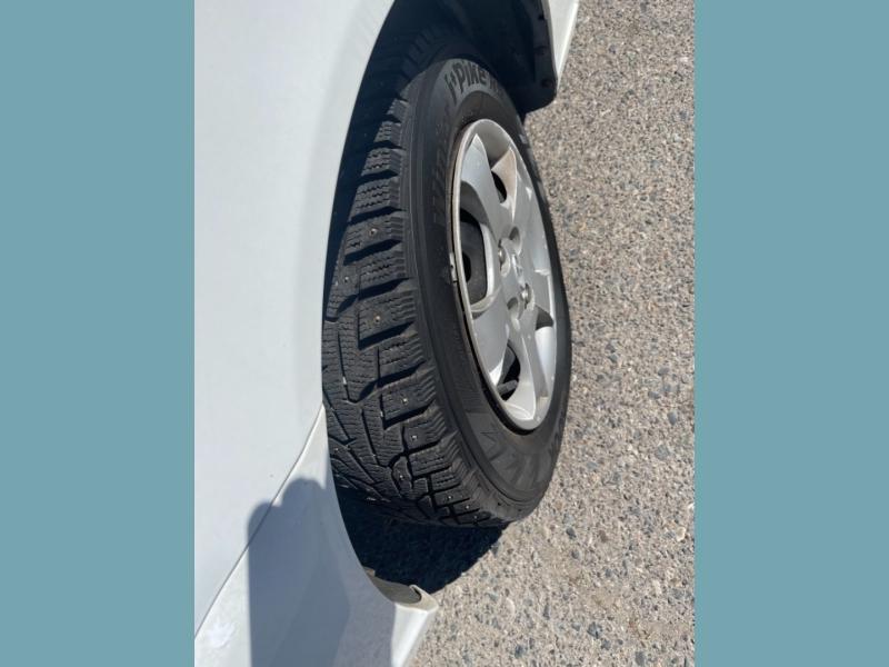 Hyundai Accent 2000 price $3,995
