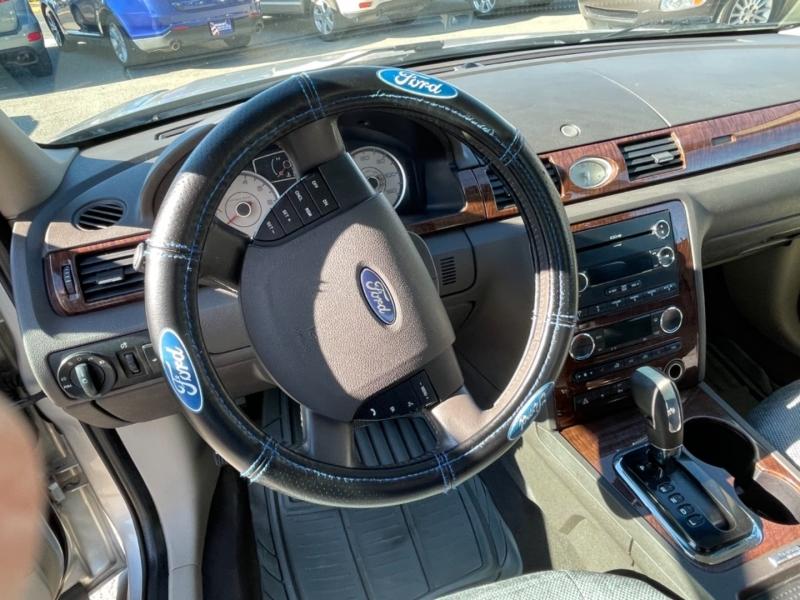 Ford Taurus 2009 price $5,999