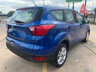 Ford Escape 2019 price $3,200