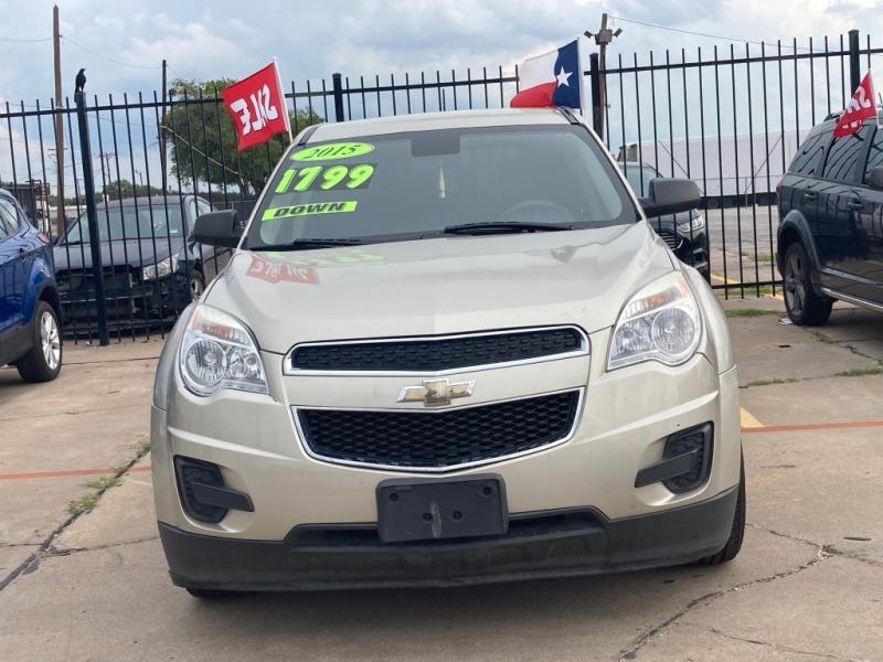 Chevrolet Equinox 2015 price $1,800