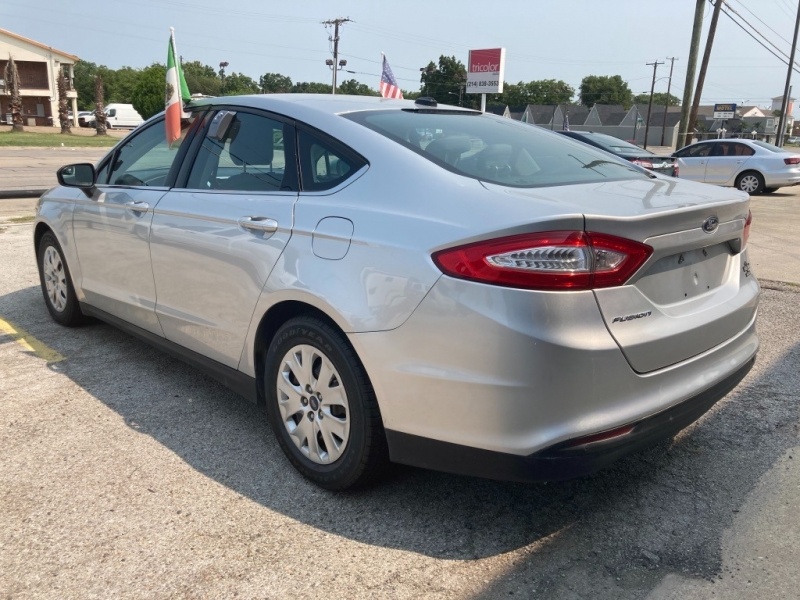 Ford Fusion 2013 price $1,700
