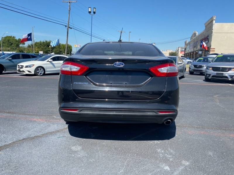 Ford Fusion 2014 price $1,900