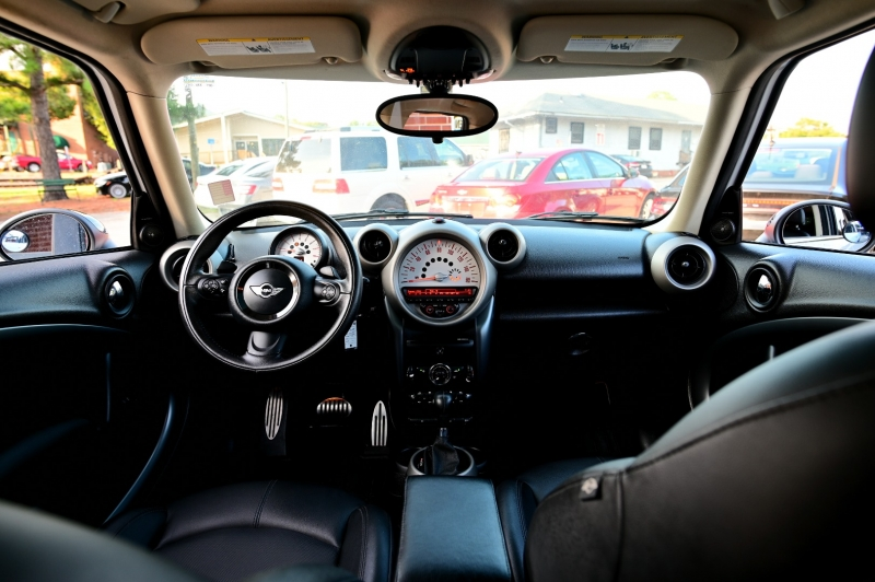 Mini Cooper Countryman 2012 price $7,750