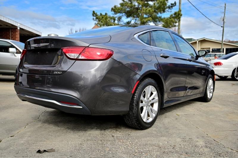 Chrysler 200 2015 price $9,250