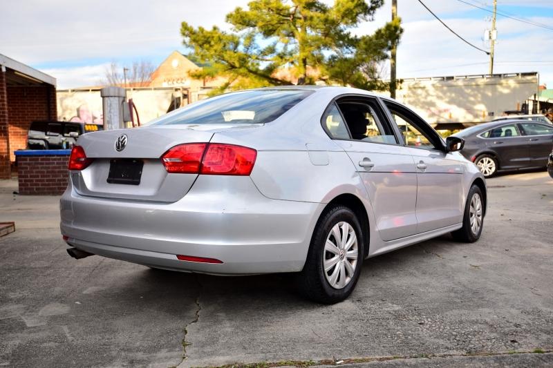 Volkswagen Jetta 2013 price $5,850