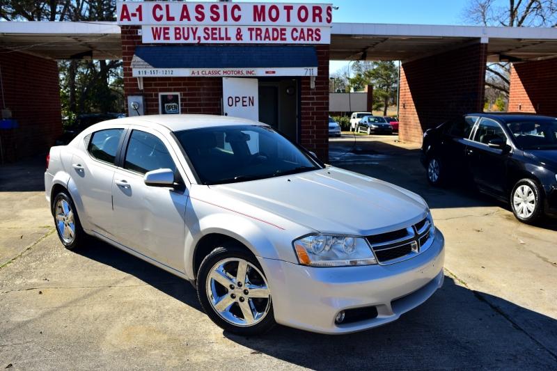 Dodge Avenger 2011 price $4,950