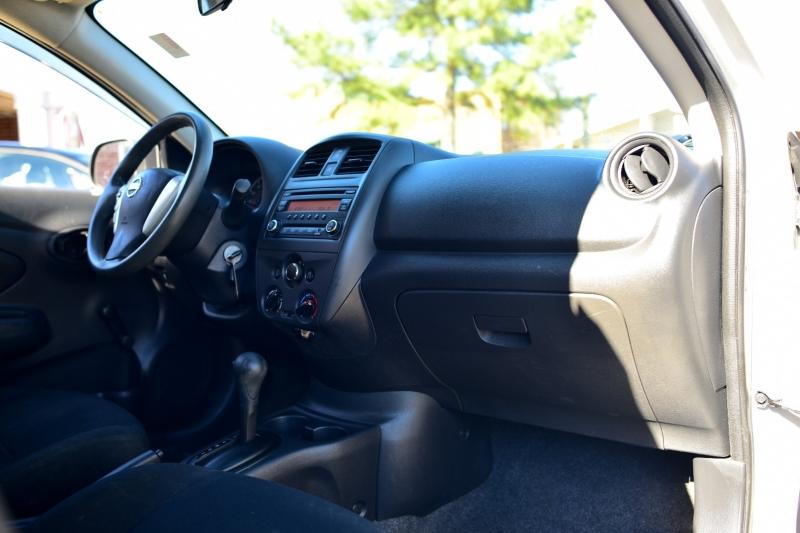 Nissan Versa 2015 price $4,950