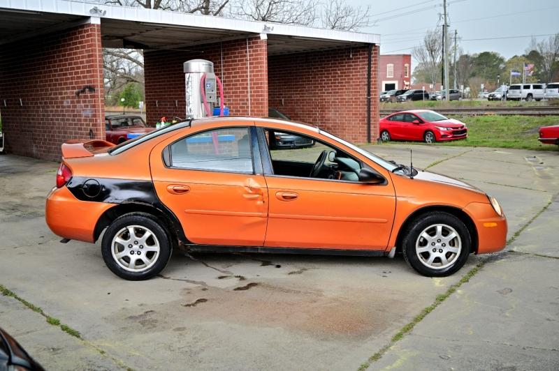 Dodge Neon 2005 price $1,950
