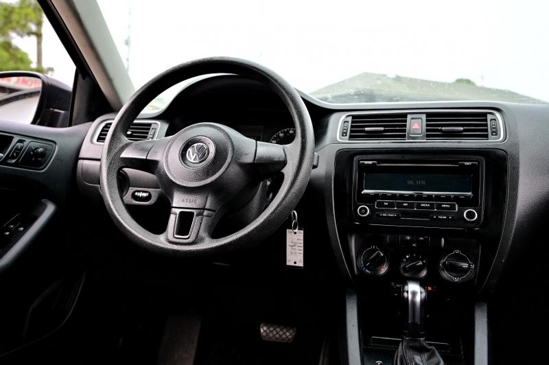 Volkswagen Jetta 2012 price $7,250