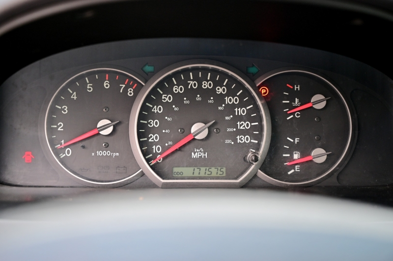Kia Sedona 2002 price $3,650