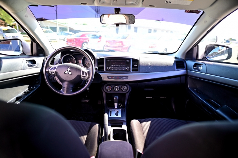 Mitsubishi Lancer 2015 price $8,650
