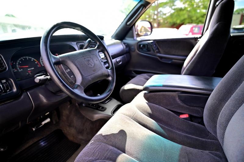 Dodge Dakota 2000 price $5,450