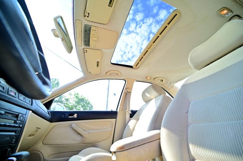 Volkswagen Jetta Sedan 2002 price $3,950