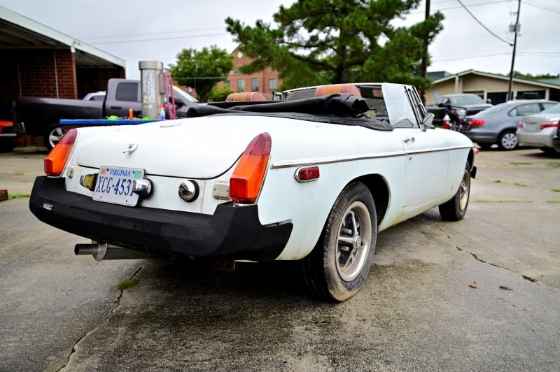 MG mgb 1975 price $3,950