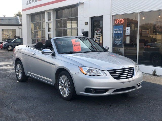 CHRYSLER 200 2011 price $8,395