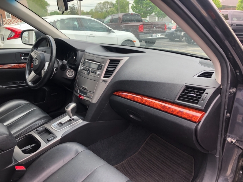 Subaru LEGACY 2010 price $8,295
