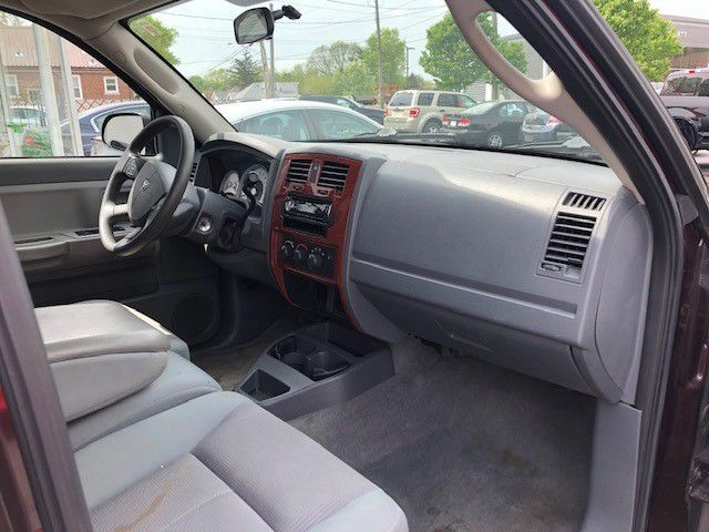 Dodge DAKOTA 2005 price $8,795