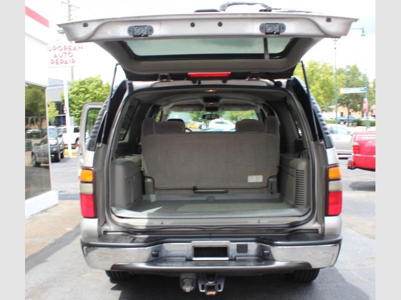 CHEVROLET SUBURBAN 2005 price $10,995