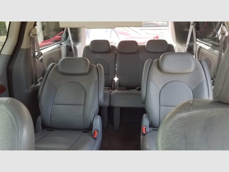 Chrysler Town & Country LWB 2007 price $5,700