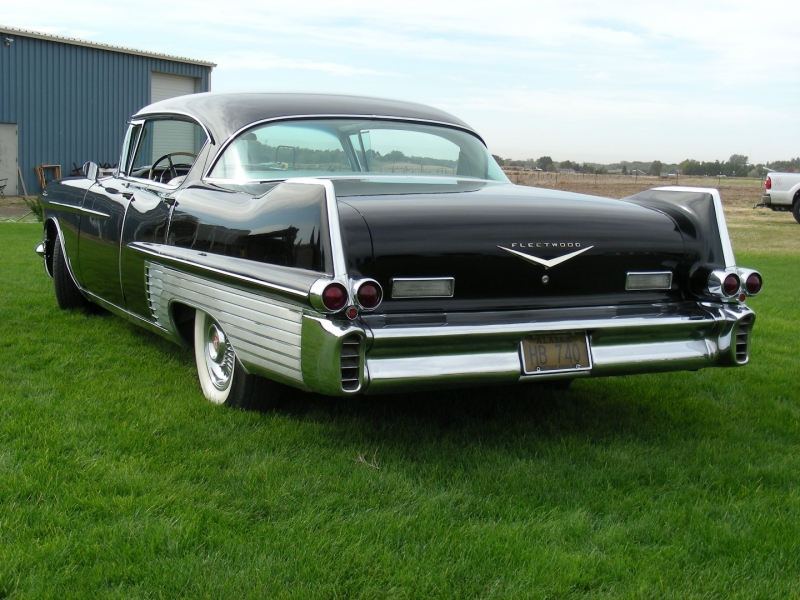 Cadillac Fleetwood 1957 price $37,900