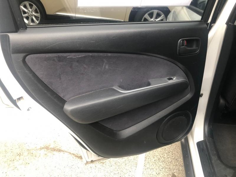 Mitsubishi Outlander 2004 price $3,995