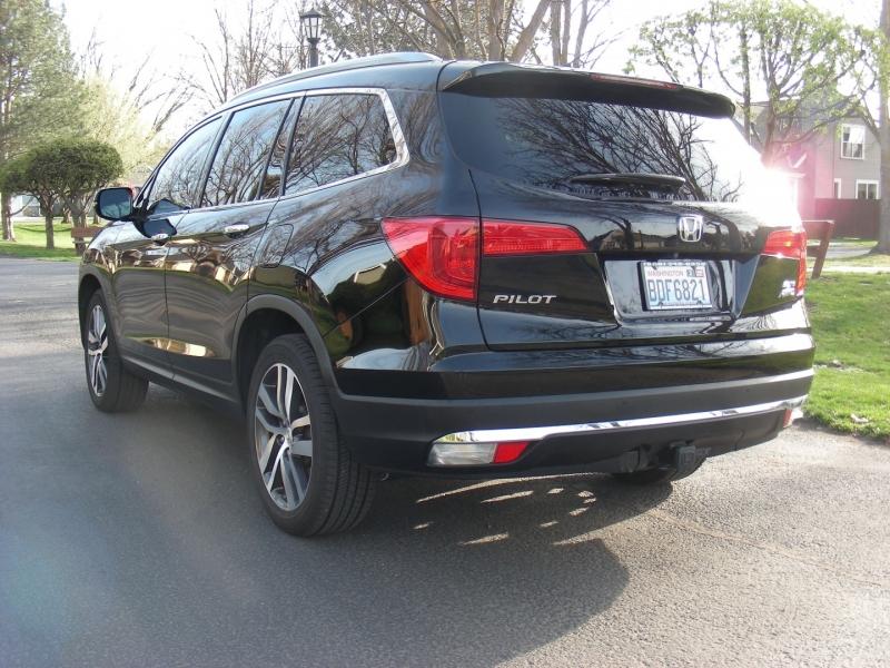 Honda Pilot 2016 price $32,995