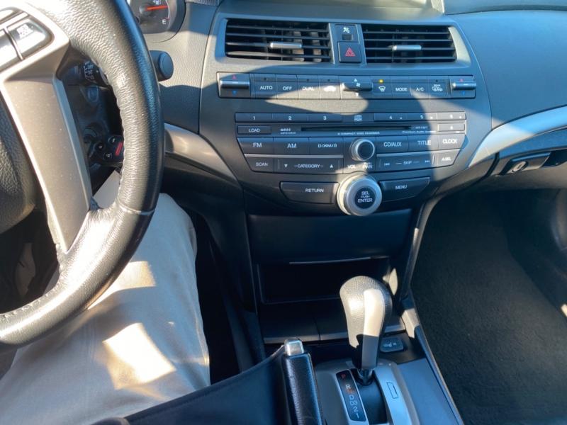 Honda Accord sedan 2009 price $8,988