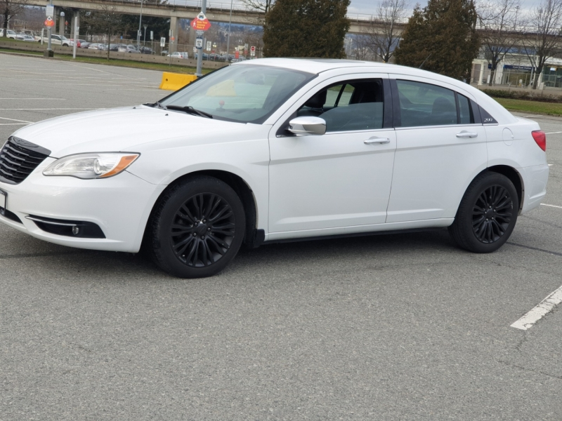 Chrysler 200 2014 price $7,850