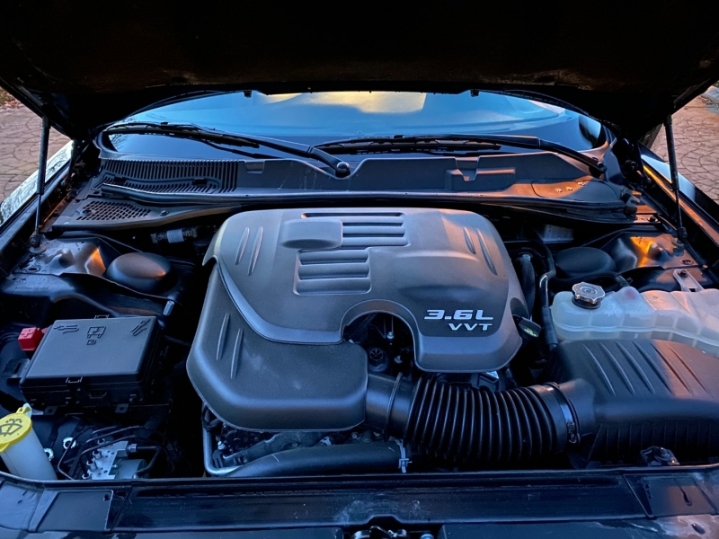 Dodge Challenger 2018 price $33,998