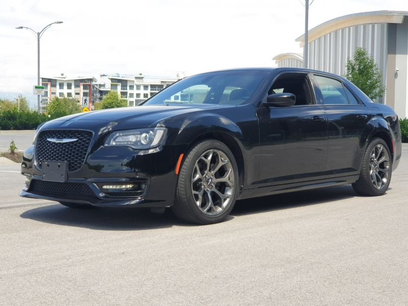 Chrysler 300S 2017 price $27,988