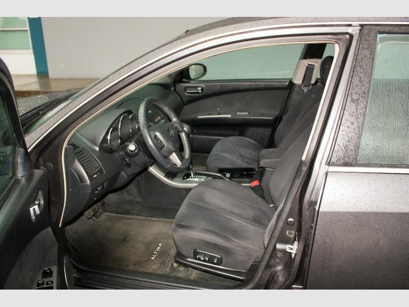 Nissan Altima 2005 price $2,999