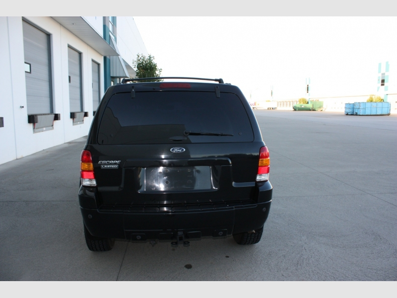 Ford Escape 2005 price $4,500