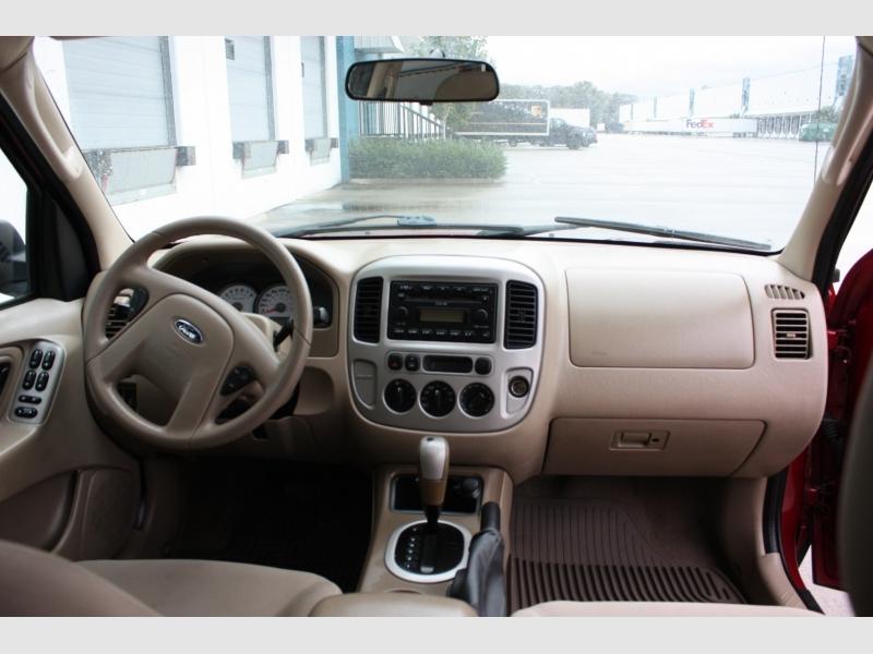 Ford Escape 2006 price $3,999