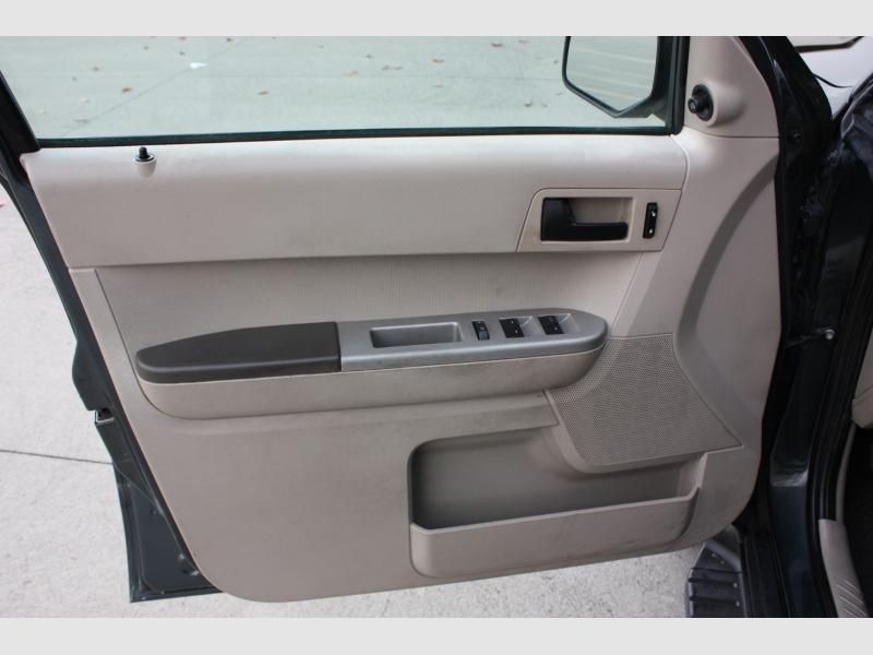 Ford Escape 2008 price $4,999