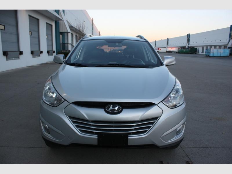 Hyundai Tucson 2011 price $8,800