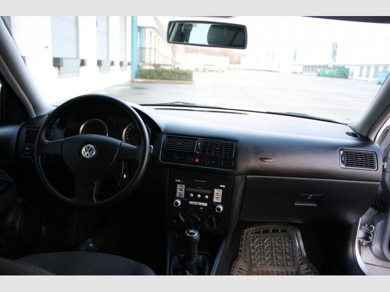 Volkswagen Golf 2008 price $5,999