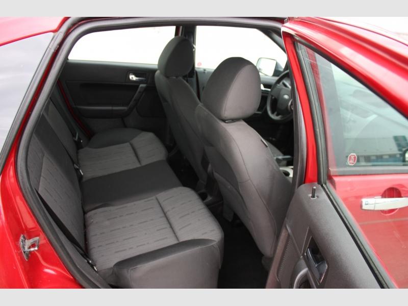Ford Focus 2009 price $3,990