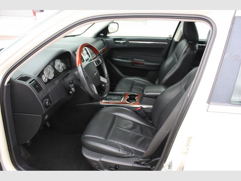 Chrysler 300 Limited 2008 price $6,999